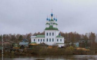Церковь троицы живоначальной на зелене, россия, вологодская область, город тотьма