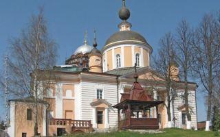 Собор покрова пресвятой богородицы в хотькове, россия, московская область, город хотьково