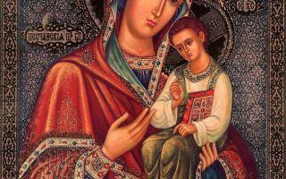Икона божией матери казанская песчанская, украина, харьковская область, город изюм, свято-вознесенский кафедральный собор
