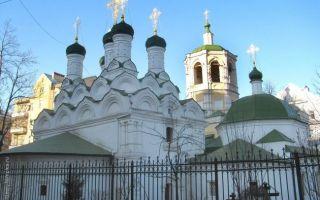 Храм успения пресвятой богородицы в путинках, россия, город москва