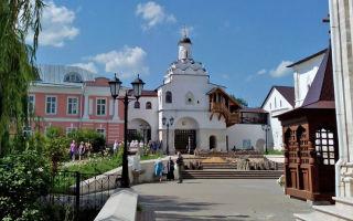 Введенский владычный монастырь в серпухове, россия, московская область, город серпухов