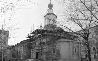 Церковь усекновения главы иоанна предтечи под бором, россия, город москва