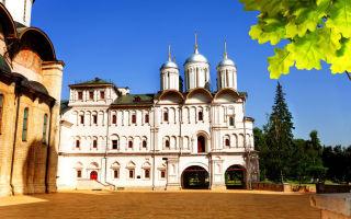 Церковь двенадцати апостолов в московском кремле, россия, город москва, кремль, соборная площадь