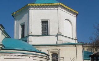 Храм бессребреников космы и дамиана (благовещения) в шубине, россия, город москва