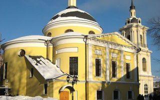 Церковь покрова пресвятой богородицы покровского монастыря, россия, город москва